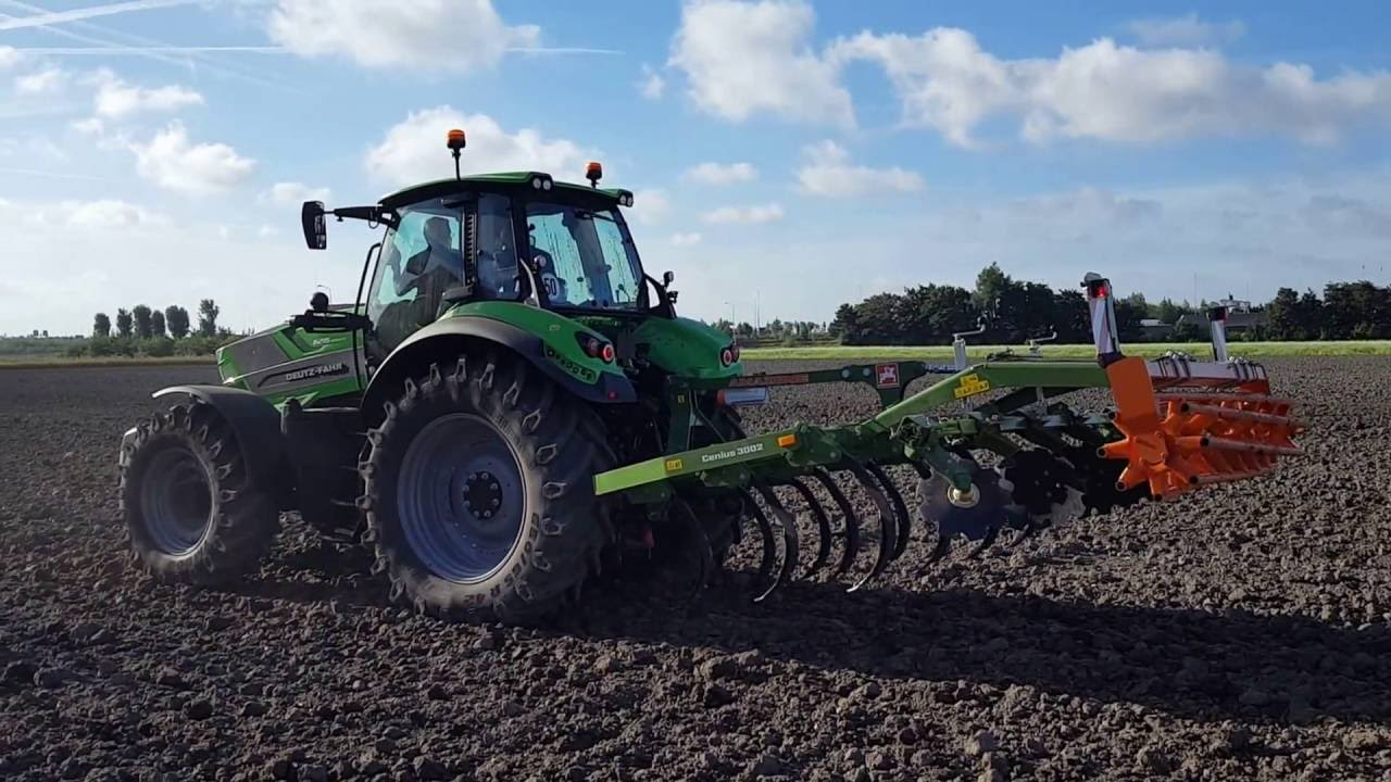 DEUTZ FAHR 6215 RCSHIFT. FINALISTA «TRACTOR OF THE YEAR 2017