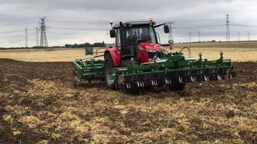 Finalista – Tractor of the year 2017– Massey Ferguson 6718S