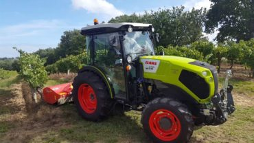 Claas Nexos 240 VE Finalista Best Specialized Tractor of The Year 18